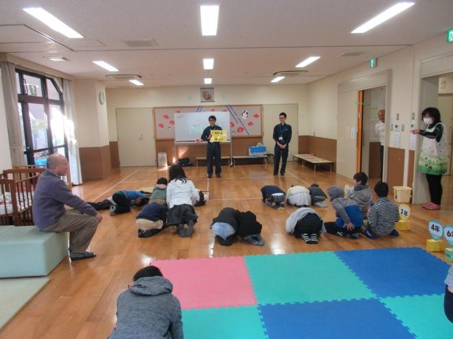 0130 避難訓練(地震)4-4